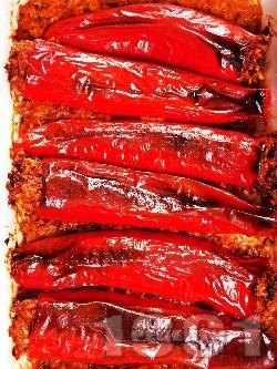 Лесни пълнени червени чушки (пиперки) с телешка кайма, ориз, лук и моркови, печени на фурна - снимка на рецептата